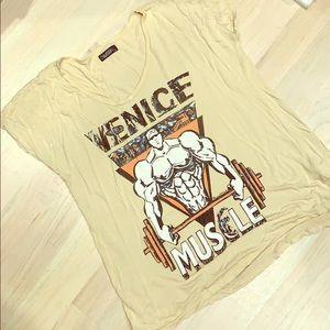 V-neck Boxee T-shirt